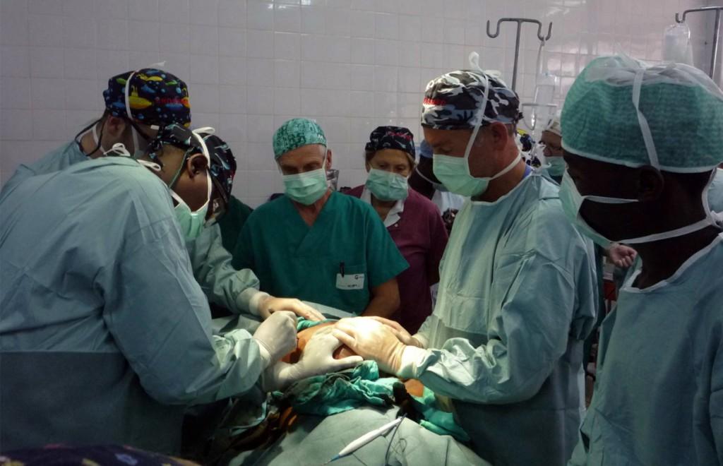 Dottor Giancarlo Liguori - Chirurgo Plastico a Torino - Missioni Volontariato Chirurgia Plastica 5